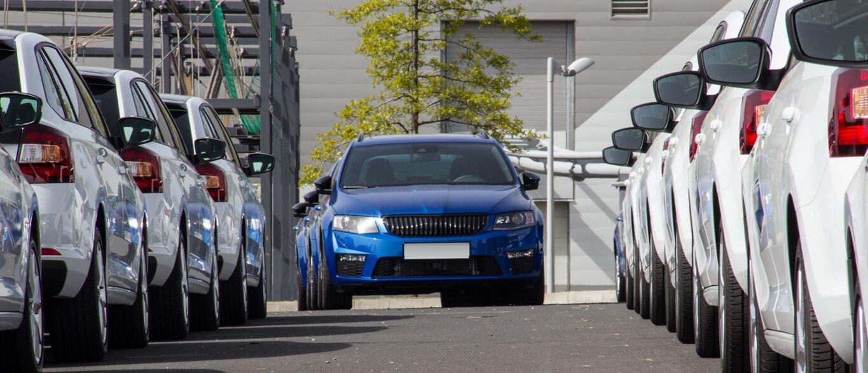 Comparar carros para formar frotas eficientes